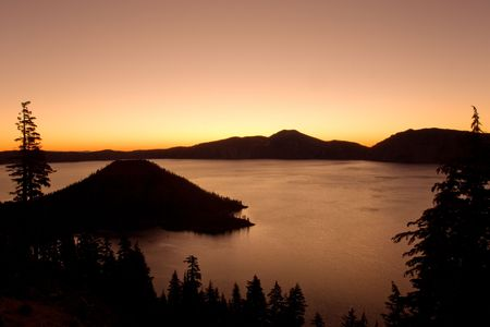 crater lake: Crater lake national park at sunset, Oregon