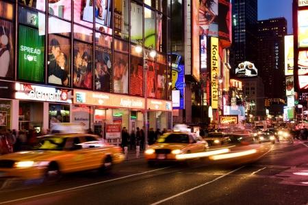 New York, USA, Januar 2007 - Broadway-Datenverkehr am Times Square, NYC  Standard-Bild - 6887769