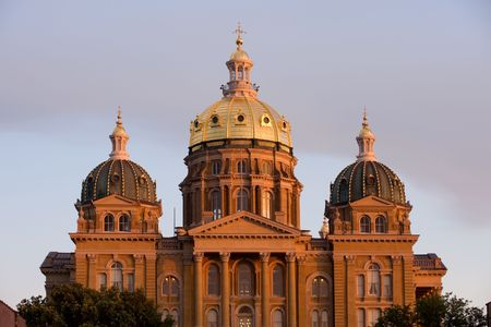 des: State Capitol in sunset light in Des Moines, Iowa Stock Photo