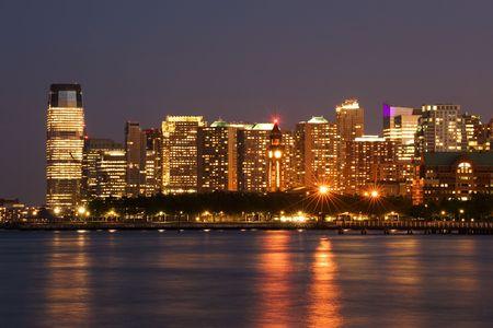 Hoboken-Terminal und Jersey City Skyline, New Jersey Standard-Bild - 7138522