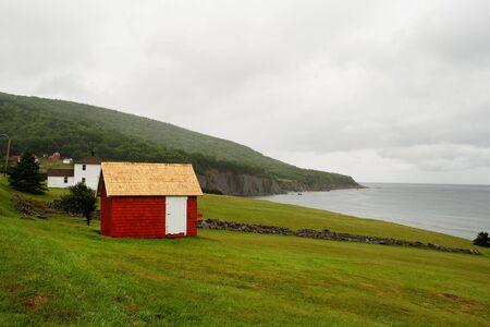 scotia: Red barn at Cape Breton coastline, Nova Scotia, Canada