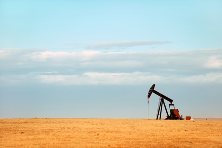 oil and gas industry: Working oil pump on Nebraska plains