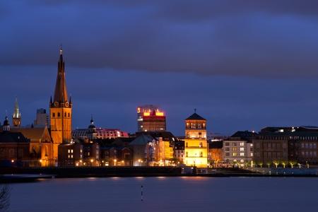 Sehenswürdigkeiten in der Altstadt (Altstadt) Düsseldorf bei Nacht Standard-Bild - 11403094