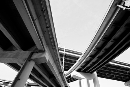 하부 구조: 멤피스, 테네시에있는 I-40 고속도로 육교 스톡 사진