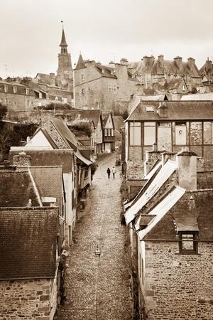 dinan: Medieval Rue du Jerzual in historic Dinan, Brittany