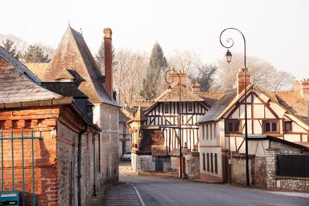 Village d'Acquigny dans les régions rurales de Haute-Normandie, France Banque d'images - 12799921