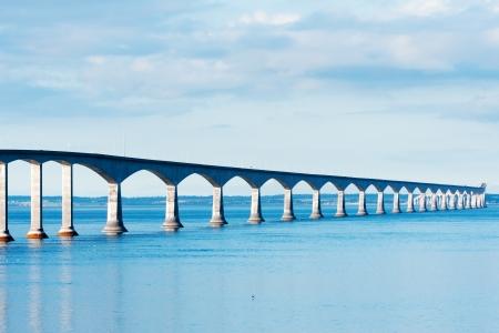 confederation: Confederation Bridge che collega le province di NB e PEI