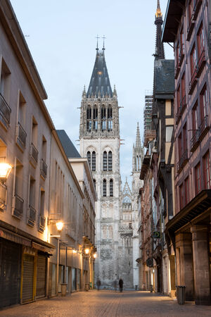 rue: Rue du Gros Horloge and Rouen Notre Dame cathedral