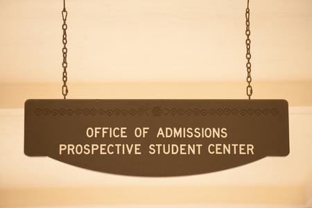 Referat Zulassung Schild am San Diego State University Standard-Bild - 35481593