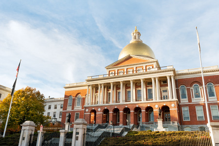 Massachusetts State house on Beacon Hill, downtown Boston 版權商用圖片 - 37412084