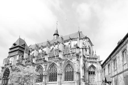 xvi: XVI century Church of Notre-Dame-des-Arts in Pont de lArche, Normandy Stock Photo