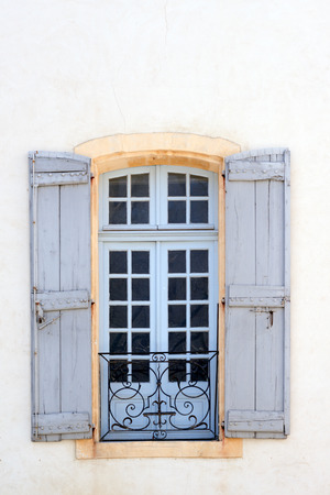 traditional house: Picturesque window in historic center of Avignon, Provence