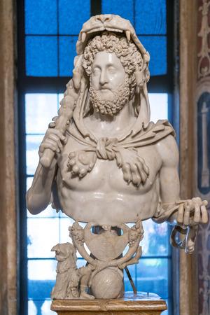 カピトリーノ美術館、ローマのヘラクレスとして皇帝コモドゥスの有名なバスト