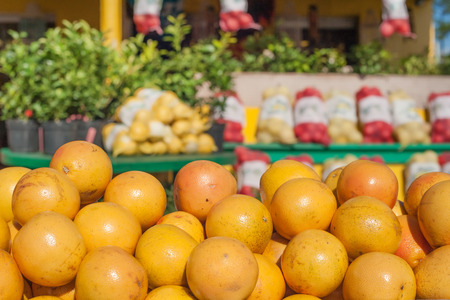 florida citrus: Roadside market stall with oranges in Florida Stock Photo