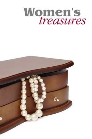 Peals in the wooden jewelry box over white Stock Photo - 11621301
