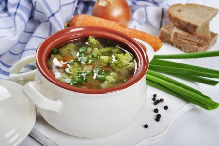 coliflor: Sopa de verduras con br?i, coliflor, guisantes y zanahoria