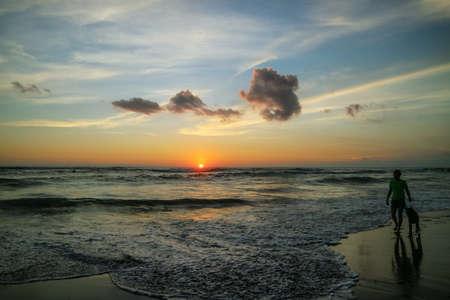 Beautiful bright sunset on the ocean on Bali island Foto de archivo - 154473971