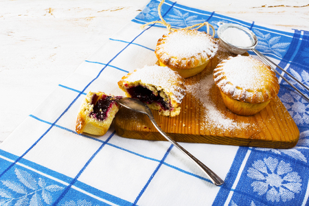 jam tarts: Sweet small pie, close up. Small pie. Pie. Jam pie. Sweet dessert. Sweet pastry. Stock Photo