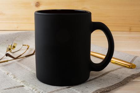 Black coffee mug mockup. Black mug mockup. Mug Product Mockup. Styled mockup. Product mockup. Black cup mockup. Cup mockup. Blank mug. Empty Mug Mockup 版權商用圖片 - 57963081