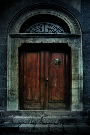 old wooden door: illustration of a dark haunted old mansion Stock Photo