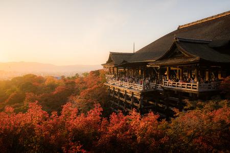 Tourists travel sight seeing at Kiyomizu Dera temple evening in Kyoto, Japan Redakční