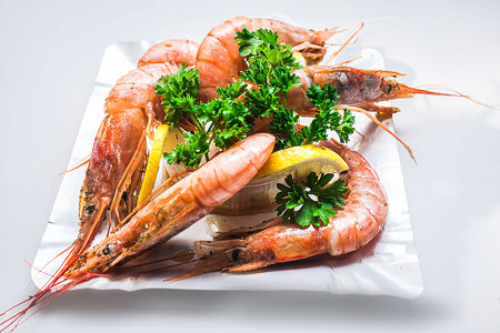 mussel: Great appetizing prawns with parsley