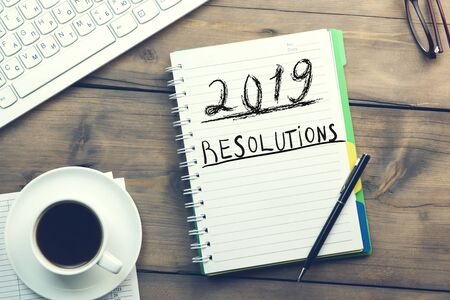 2019 text with resolutions text on the notepad Stok Fotoğraf