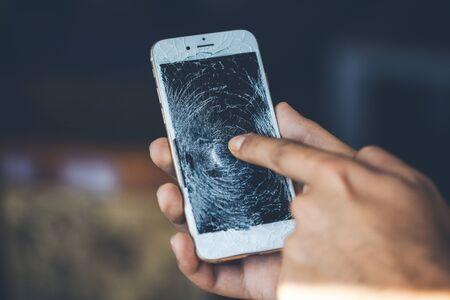 man hand broken phone 스톡 콘텐츠