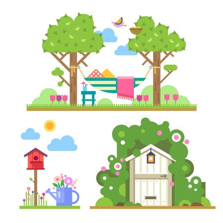 Zomertuin. Landschap met bomen en hangmat huis in het bos vogelhuisje gieter bloemen. Vector flat illustraties