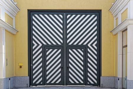 diagonal: Big double door with diagonal stripe lines