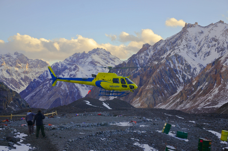 aconcagua: The evacuation of patients from the slope of the Aconcagua Stock Photo