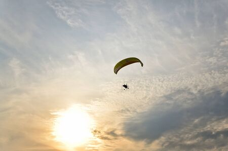 engine: Fly on engine paraplan