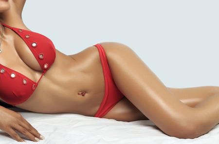 sexy nackte frau: Sch�ne schlanke K�rper der Frau im Studio Lizenzfreie Bilder