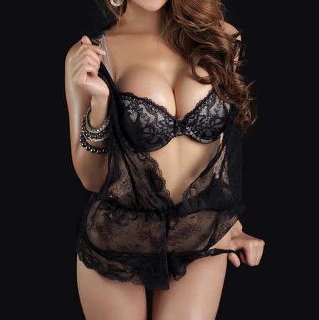 fille nue sexy: Belle corps mince de la femme en studio Banque d'images