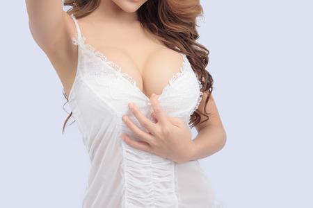 hot breast: Красивая стройная тело женщины в студии