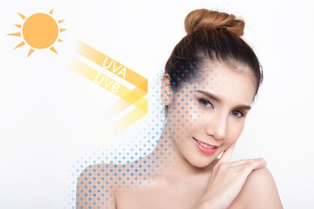 Mooie vrouw met schone huid - concept van de Aziatische schoonheid en Zonnebrand huid