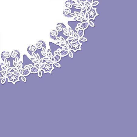 biglietto d'invito con motivo a pizzo su sfondo viola