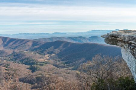 Side view of the very end point of McAfee Knob in Virginia, USA Stock fotó
