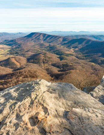 Ledge point and view from McAfee Knob in Blue Ridge Mountains, Virginia, USA Stock fotó