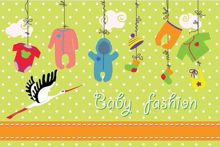 Vestiti colorati per neonato ragazzo e ragazza appeso alla corda su sfondo pois. Modello di progettazione, inviti, auguri card.Slip, corpo, giacca, cappelli, calze, pagliaccetti, tute per il nuovo bambino. Divertente illustrazione vettoriale con cicogna.
