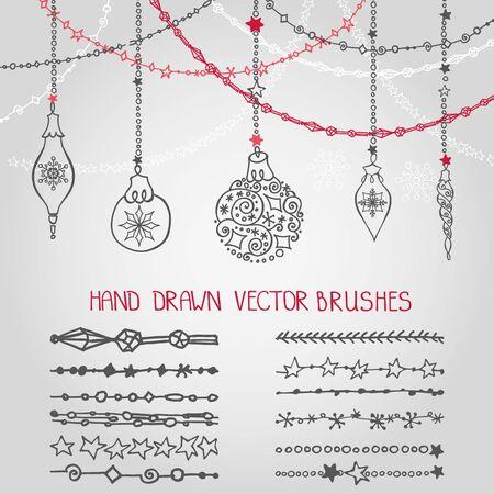Kerst hand getrokken garland borstels met sierlijke ballen. Nieuwjaar doodle patroon texturen. Decoratie vector set. Wintersymbolen in lijn grens. Gebruikt zwarte borstels inbegrepen. Ontwerpsjabloon, kaart Stock Illustratie