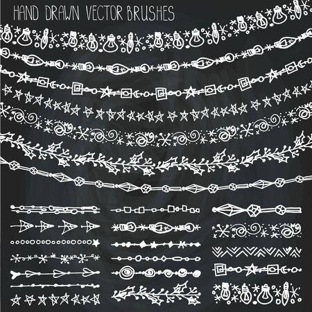 Christmas Hand getrokken garland brushes.New jaar doodle patroon texturen, sneeuwvlokken, lampsornament.Decoration vector set.Winter symbolen in lijn border.Used witte borstels opgenomen.Krijtbord