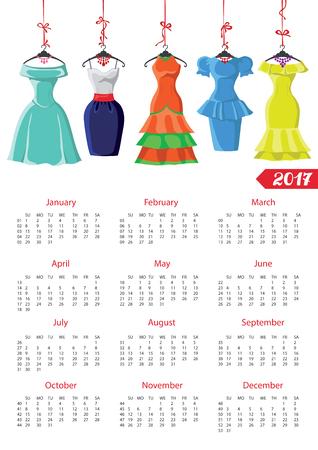 Kalender 2017 met vrouw fashion.Colored jurken op een hanger en accessoires set. Summer party. Nieuwjaar vakantie illustratie, achtergrond. Week begint van zondag, american.Vertical