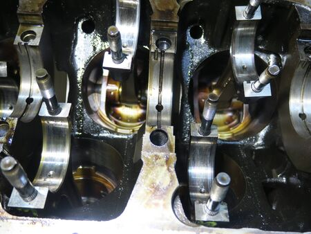 The connecting rod, piston and cylinder block in a disassembled condition Stok Fotoğraf