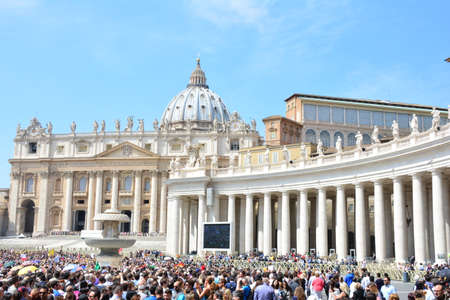papal audience: ROME, ITALY APRIL 19: Crowd of pilgrims waiting for Papal Audience and Angelus by Pope Francis (Jorge Mario Bergoglio) at Saint Peter?s Square on April 19, 2015 in Rome Editorial