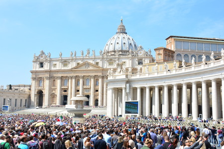 papal audience: Pilgrims waiting for Pope Francis (Jorge Mario Bergoglio) Papal Audience at Saint Peter?s Square in a sunny April day