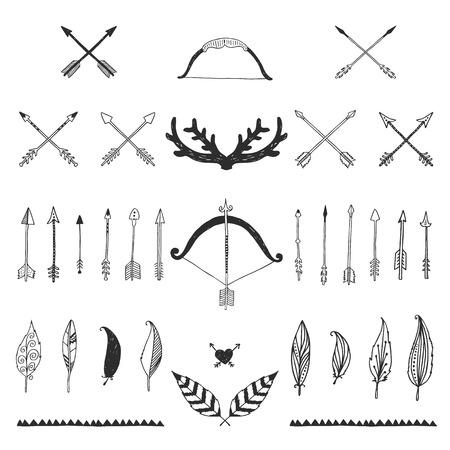 활과 화살, 깃털과 뿔이 손으로 그려진 부족의 컬렉션