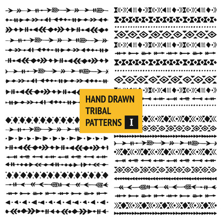 Tribal hand drawn backgrounds, ethic doodle patterns, ink illustration.  Vettoriali