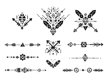 simbol: Disegnata a mano collezione tribale con corsa, linee, frecce, elementi decorativi, piume, simboli geometrici stile etnico. Flash tatuaggio, tribale logo, forme boho Vettoriali