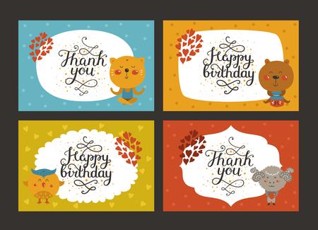 Set di carte animali svegli con lettering e bambino animali in amore. Gatto, orso, gufo, merinos. Vector greeting animale carta, Grazie, Buon compleanno